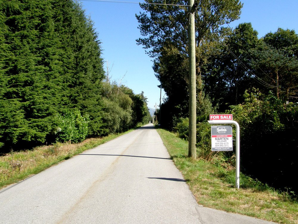 FENTON ROAD IS DEAD END WITH ONLY 11 PROPERTIES AND VERY QUIET & RURAL!