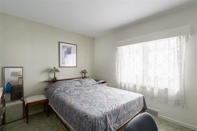 Photo 9: Photos: 4626 WINDSOR ST in VANCOUVER: Fraser VE House for sale (Vancouver East)  : MLS®# R2446066