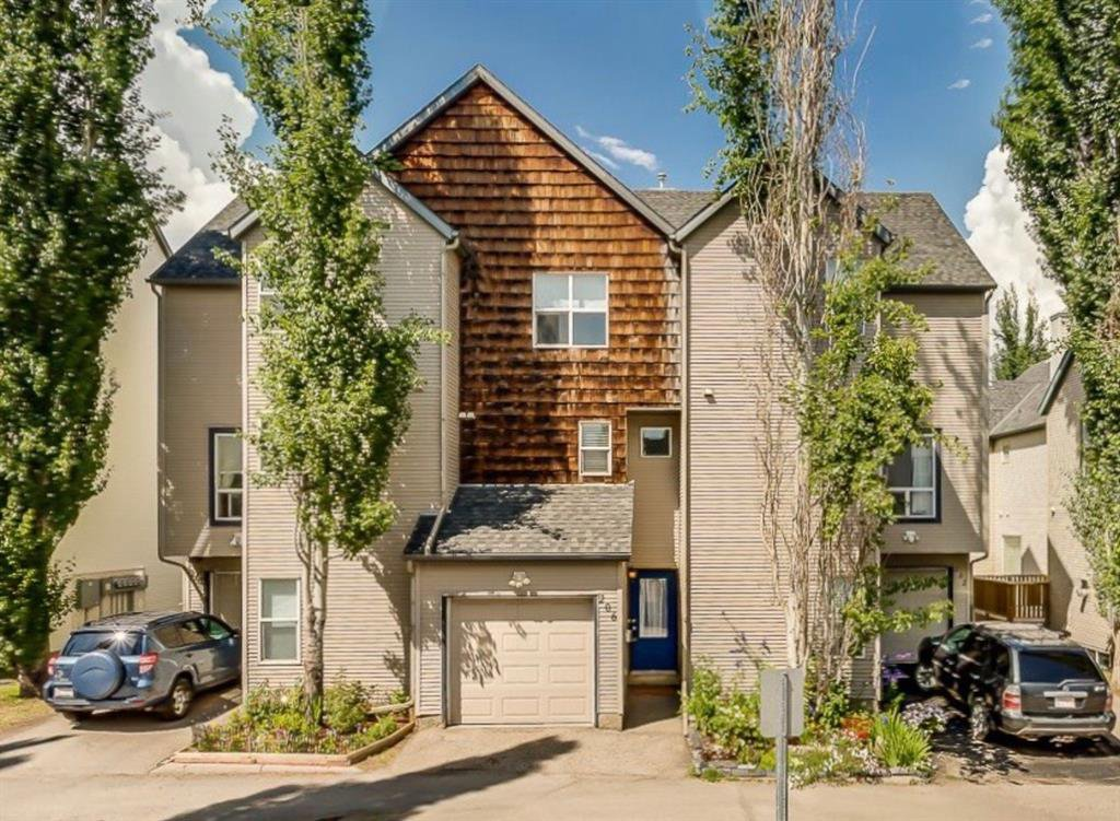 Main Photo: 206 BRIDLEWOOD Lane SW in Calgary: Bridlewood Row/Townhouse for sale : MLS®# A1015543