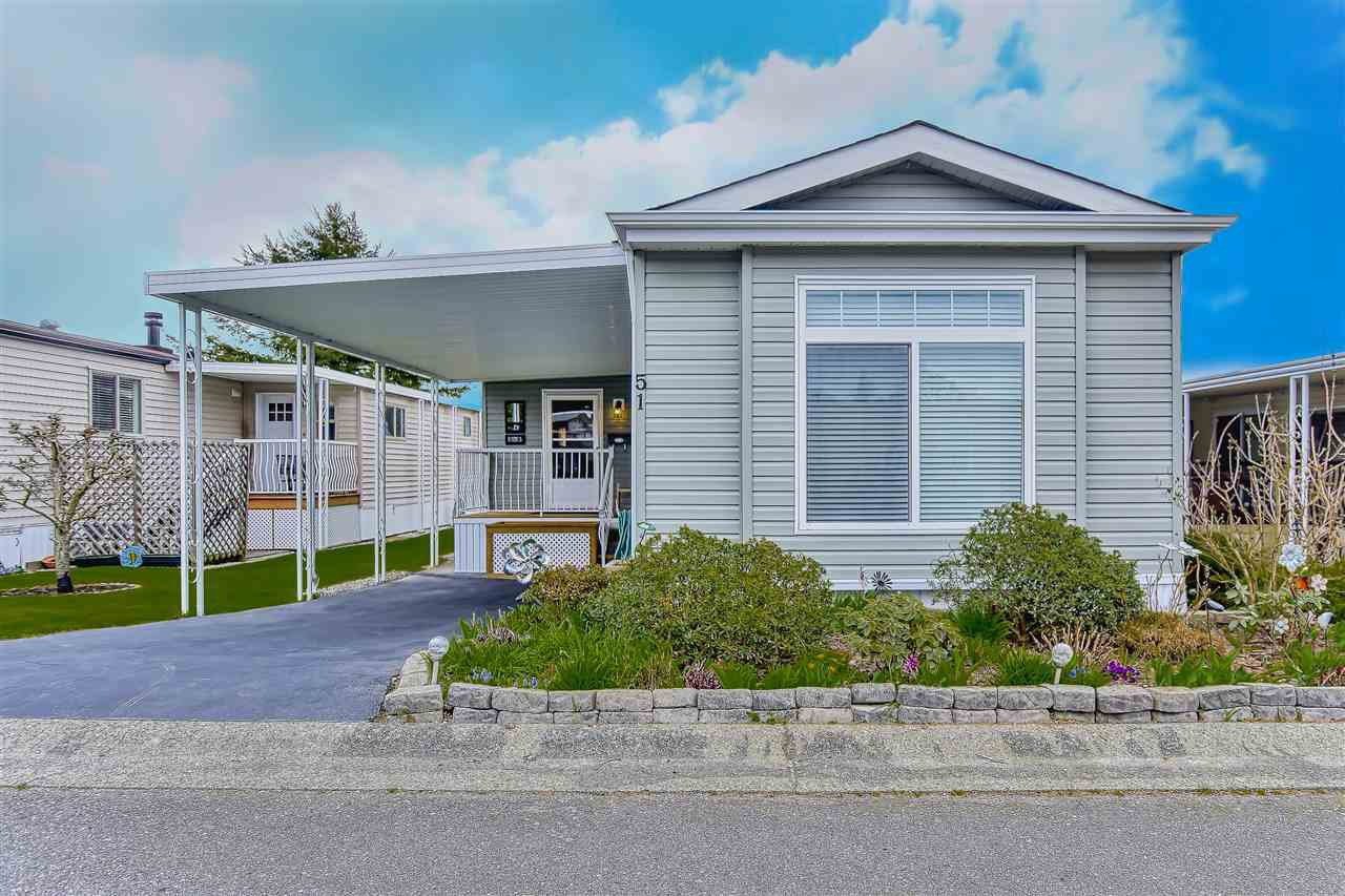 "Main Photo: 51 2120 KING GEORGE Boulevard in Surrey: King George Corridor Manufactured Home for sale in ""Five Oaks"" (South Surrey White Rock)  : MLS®# R2454981"