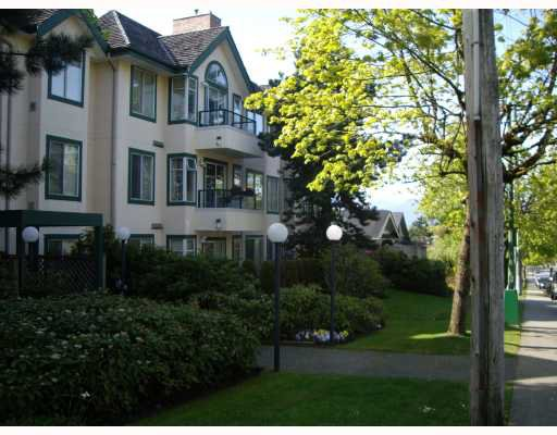 Main Photo: 102 5663 INMAN Avenue in Burnaby: Central Park BS Condo for sale (Burnaby South)  : MLS®# V744680