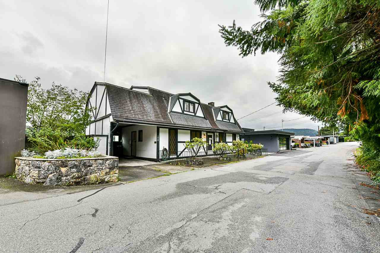 Main Photo: 1020 ALDERSIDE Road in Port Moody: North Shore Pt Moody House for sale : MLS®# R2409889
