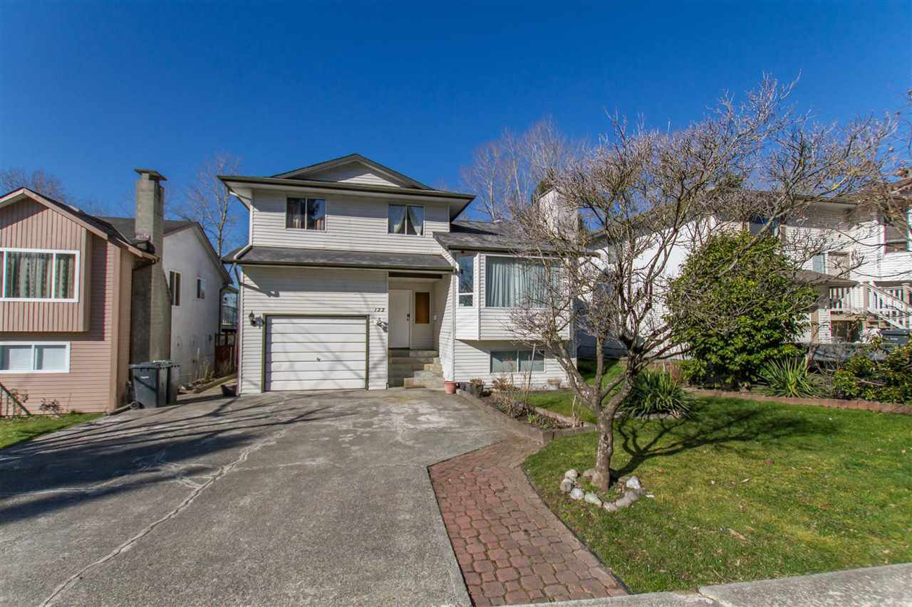 Main Photo: 122 CROTEAU Court in Coquitlam: Cape Horn House for sale : MLS®# R2444071