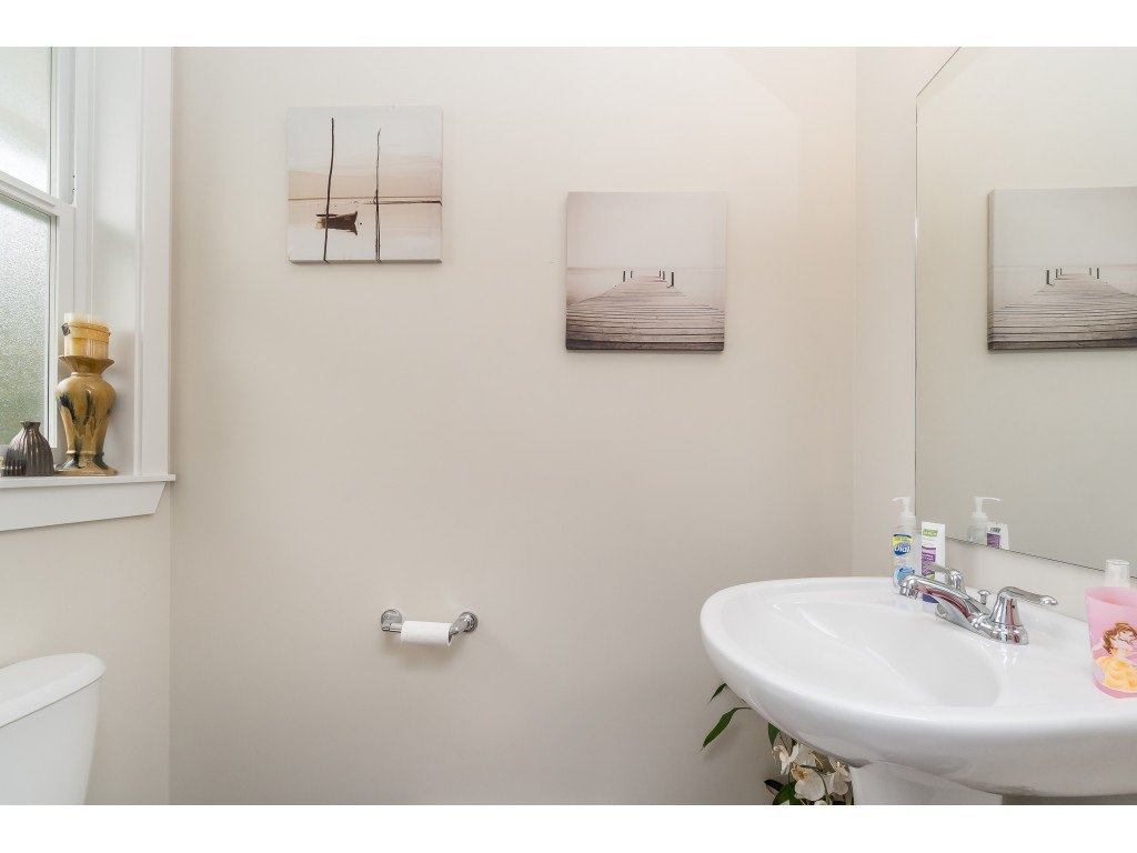 "Photo 24: Photos: 17 8277 161 Street in Surrey: Fleetwood Tynehead Townhouse for sale in ""Edgewood"" : MLS®# R2497013"