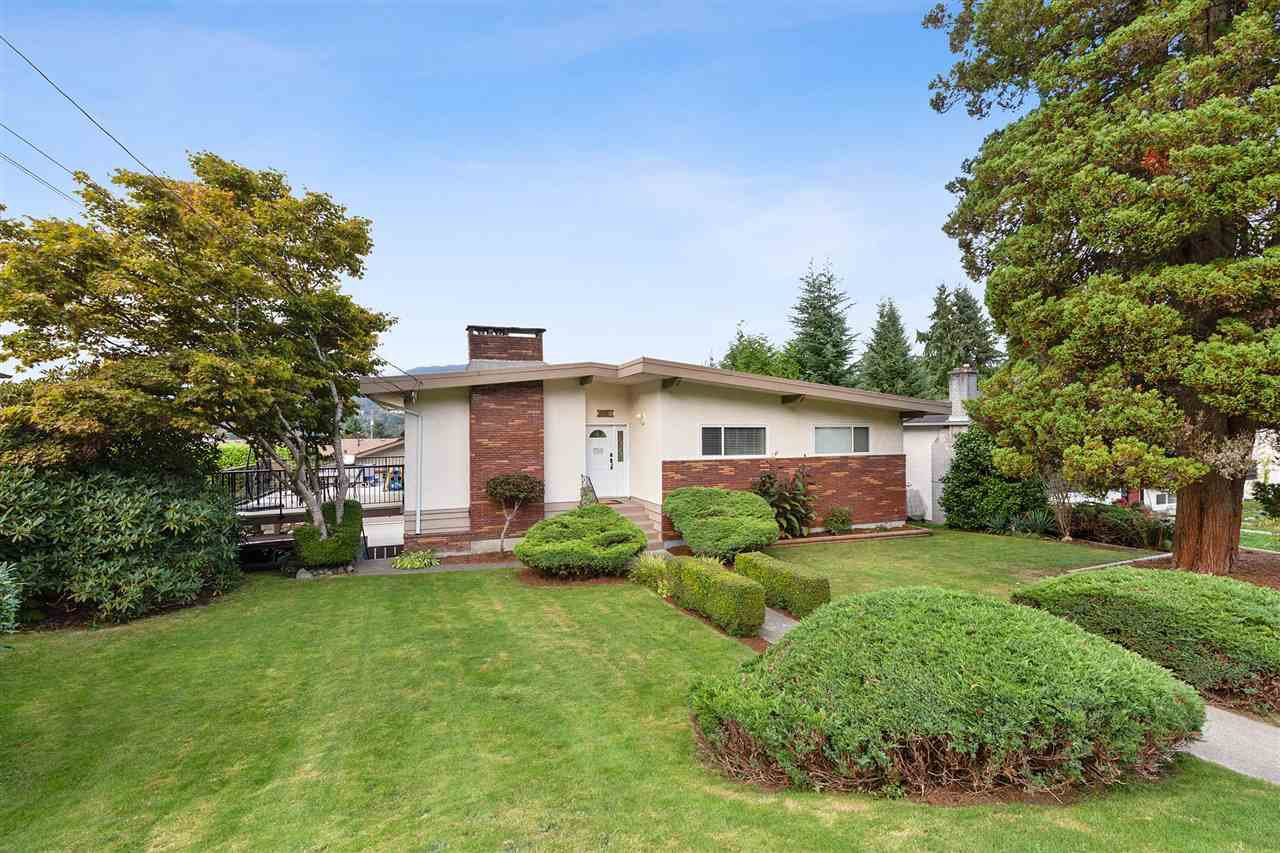 """Main Photo: 2179 MOHAWK Avenue in Coquitlam: Chineside House for sale in """"Chineside"""" : MLS®# R2506456"""