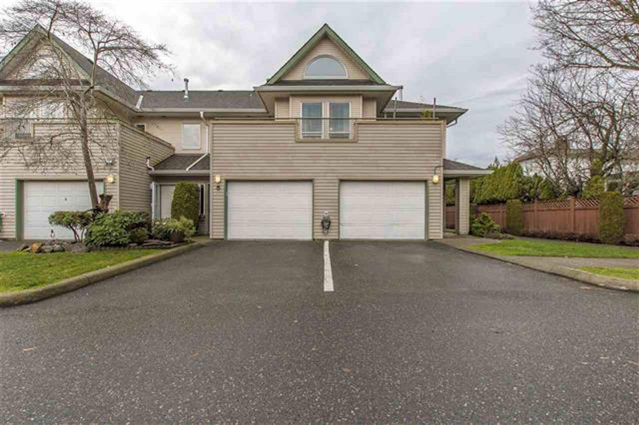 "Main Photo: 9 9470 HAZEL Street in Chilliwack: Chilliwack E Young-Yale Townhouse for sale in ""Hawthorn Place"" : MLS®# R2415637"