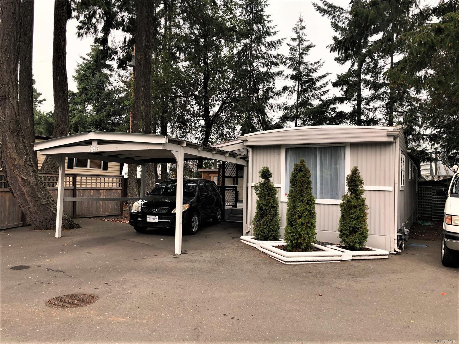 Main Photo: 38A 1247 Arbutus Rd in : PQ Parksville Manufactured Home for sale (Parksville/Qualicum)  : MLS®# 855703