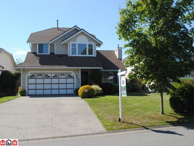 "Main Photo: 9271 156A Street in Surrey: Fleetwood Tynehead House for sale in ""BELAIR ESTATES"" : MLS®# F1022168"