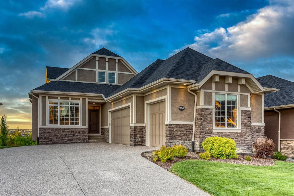 Main Photo: 250 VALLEY POINTE Way NW in Calgary: Valley Ridge Detached for sale : MLS®# A1009506
