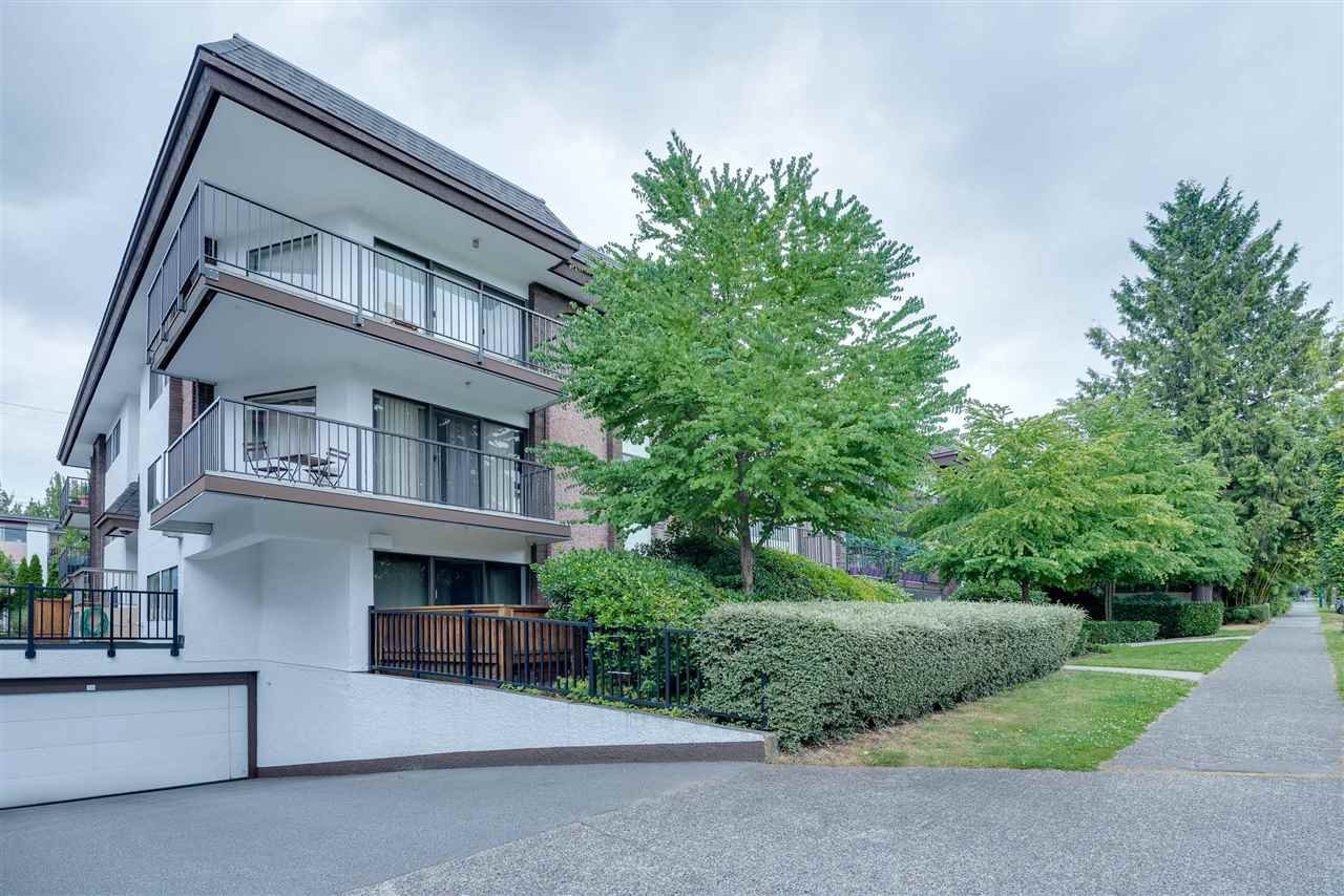 Main Photo: 305 1585 E 4TH Avenue in Vancouver: Grandview Woodland Condo for sale (Vancouver East)  : MLS®# R2480815