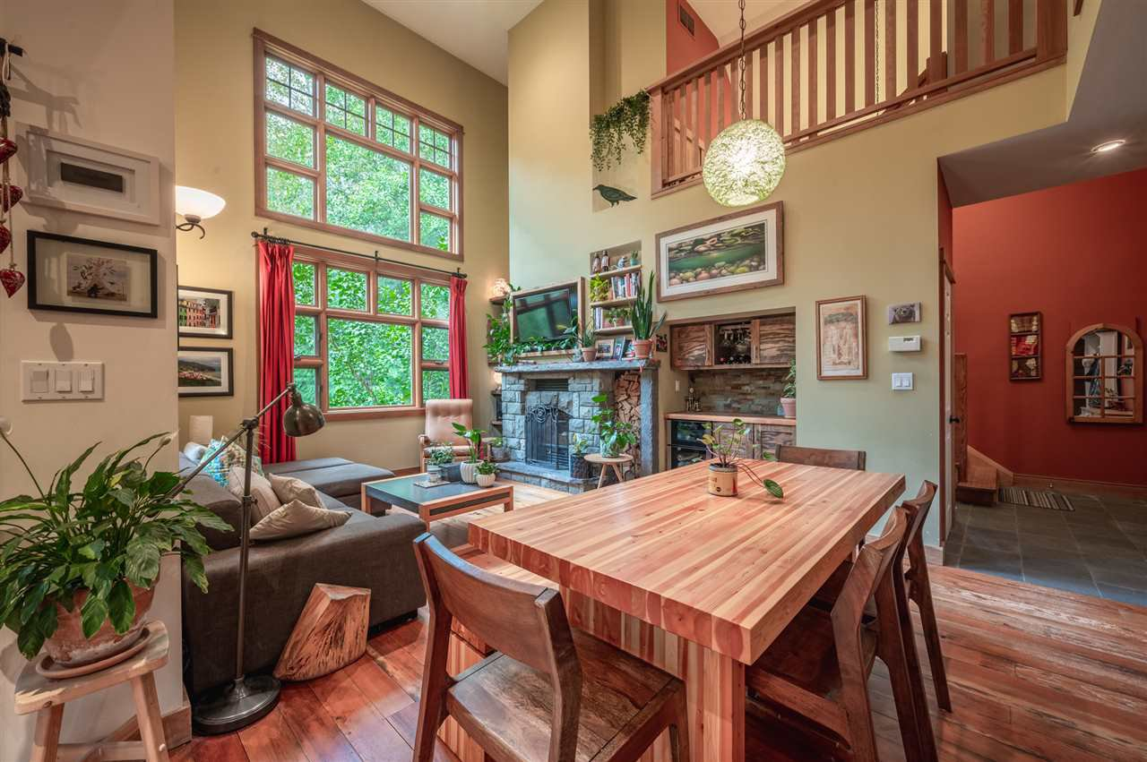 Photo 3: Photos: 41645 GOVERNMENT Road in Squamish: Brackendale House for sale : MLS®# R2515345