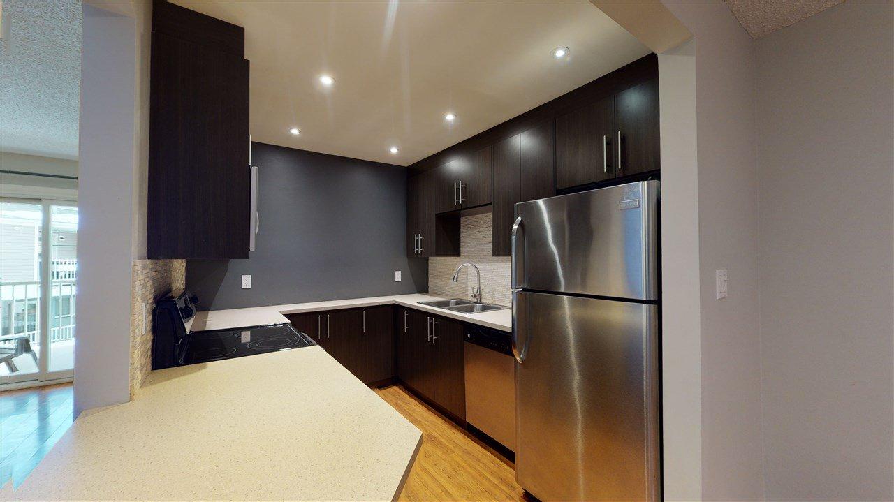 Main Photo: 113 10404 24 Avenue in Edmonton: Zone 16 Carriage for sale : MLS®# E4222554