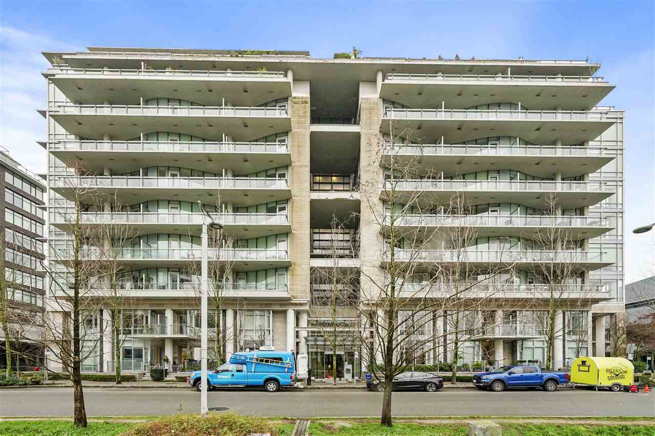 "Main Photo: 609 1633 ONTARIO Street in Vancouver: False Creek Condo for sale in ""Kayak - Village on False Creek"" (Vancouver West)  : MLS®# R2528117"