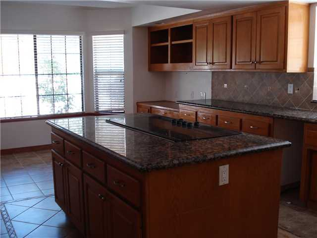 Photo 6: Photos: POWAY House for sale : 4 bedrooms : 13735 Paseo Bonita