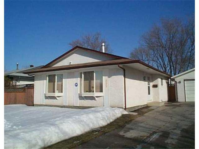 Main Photo: 899 LOUELDA Street in WINNIPEG: East Kildonan Residential for sale (North East Winnipeg)  : MLS®# 2402920