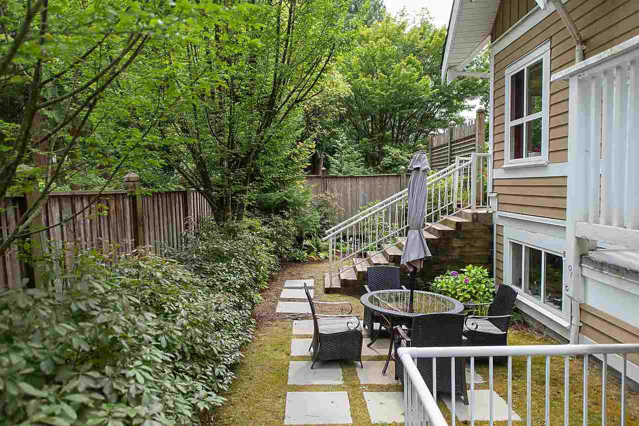 "Main Photo: 8 2688 MOUNTAIN Highway in North Vancouver: Westlynn Townhouse for sale in ""CRAFTMAN ESTATES"" : MLS®# R2396201"