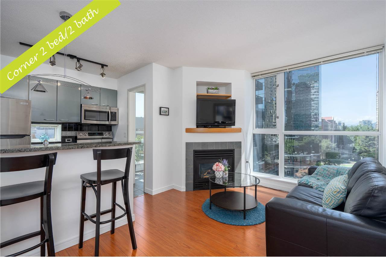 "Main Photo: 1106 1068 HORNBY Street in Vancouver: Downtown VW Condo for sale in ""The Canadian at Wall Centre"" (Vancouver West)  : MLS®# R2485432"