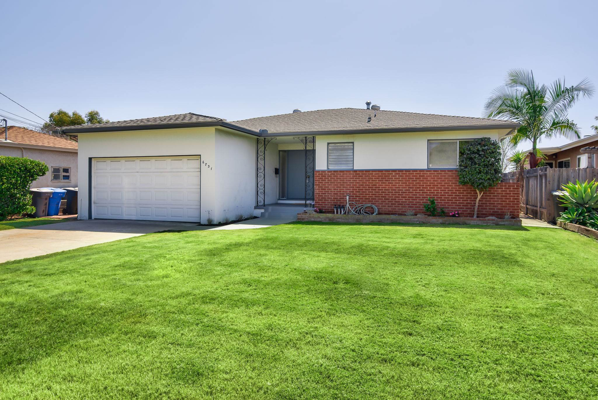 Main Photo: LA MESA House for sale : 3 bedrooms : 6731 Vigo Dr