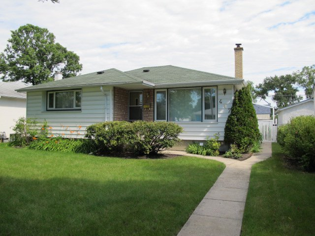 Main Photo:  in WINNIPEG: East Kildonan Residential for sale (North East Winnipeg)  : MLS®# 1016203