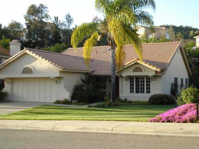 Main Photo: EAST ESCONDIDO House for sale : 4 bedrooms : 1534 Alana Way in Escondido