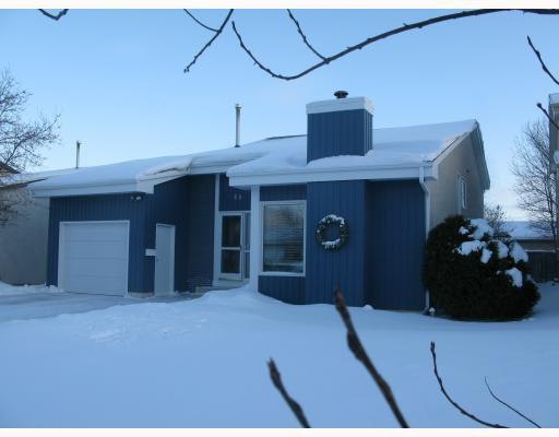 Main Photo: 68 BRIXTON Bay in WINNIPEG: St Vital Residential for sale (South East Winnipeg)  : MLS®# 2900812