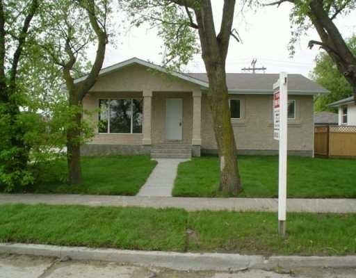 Main Photo: 798 SIMPSON Avenue in WINNIPEG: East Kildonan Single Family Detached for sale (North East Winnipeg)  : MLS®# 2505506