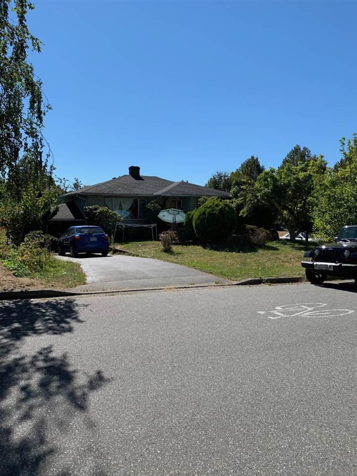 """Main Photo: 2604 E 46TH Avenue in Vancouver: Killarney VE House for sale in """"KILLARNEY"""" (Vancouver East)  : MLS®# R2496119"""