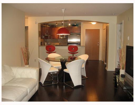 Main Photo: 212 2951 SILVER SPRINGS Boulevard in Coquitlam: Westwood Plateau Condo for sale : MLS®# V804229