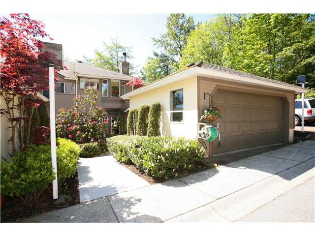 """Main Photo: 8884 ROBINS Court in Burnaby: Forest Hills BN Townhouse for sale in """"PRIMROSE HILLS"""" (Burnaby North)  : MLS®# V829480"""