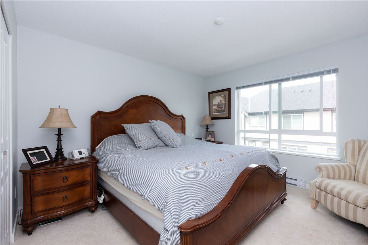 "Photo 13: Photos: 52 30930 WESTRIDGE Place in Abbotsford: Abbotsford West Townhouse for sale in ""Bristol Heights"" : MLS®# R2404942"