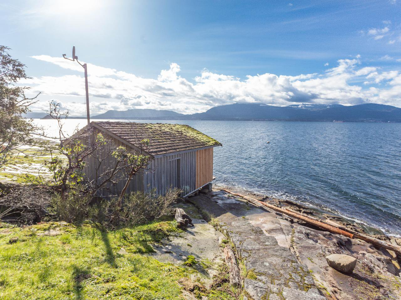 Photo 5: Photos: 255 Forbes Dr in THETIS ISLAND: Isl Thetis Island House for sale (Islands)  : MLS®# 833863