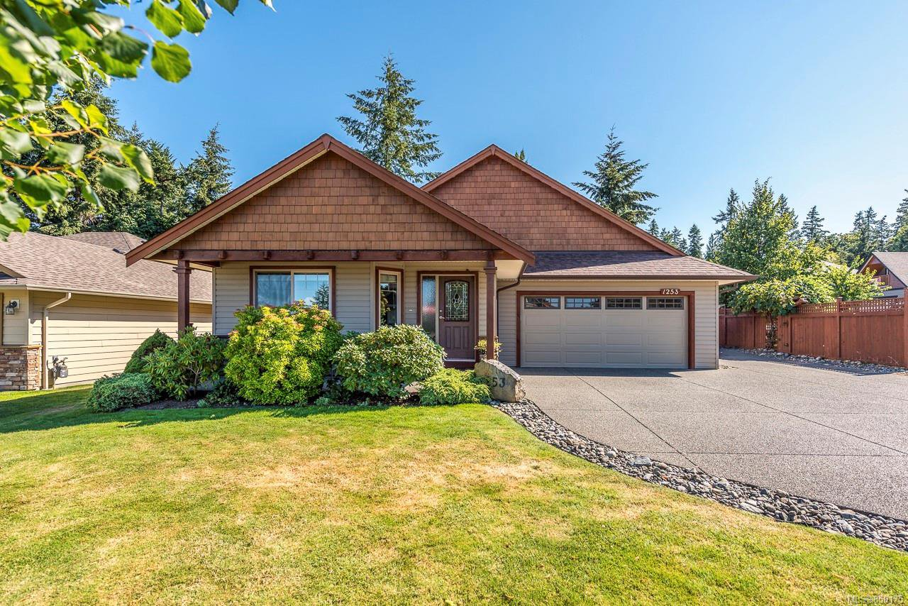 Main Photo: 1253 Gardener Way in : CV Comox (Town of) House for sale (Comox Valley)  : MLS®# 850175