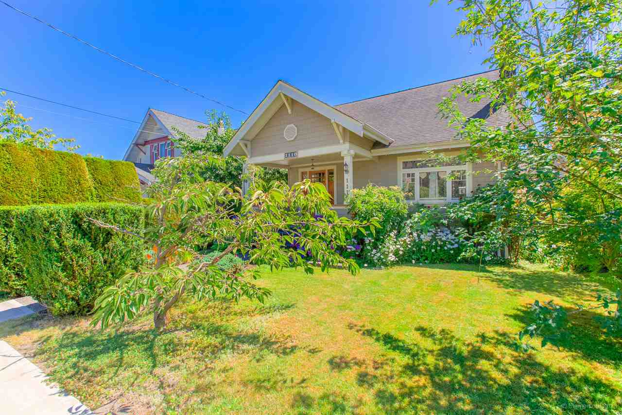 Main Photo: 1110 DUBLIN Street in New Westminster: Moody Park House for sale : MLS®# R2482898