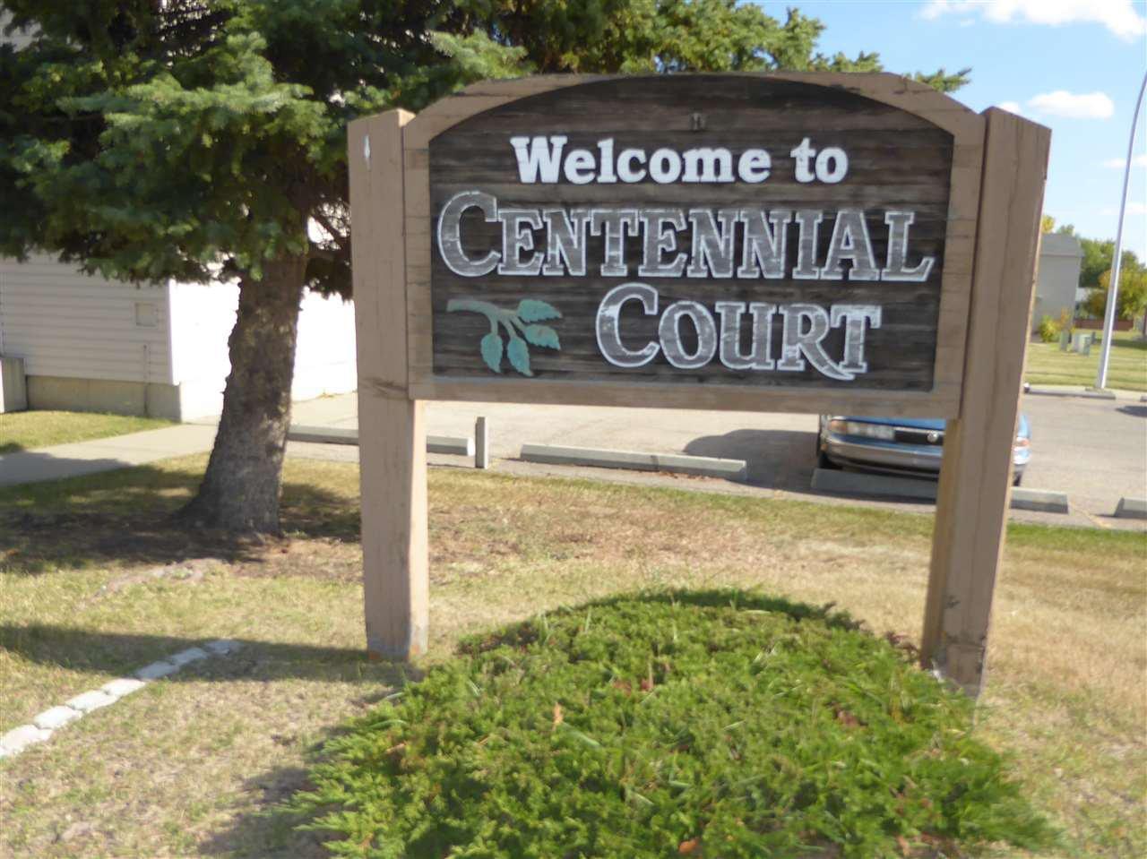 Main Photo: 137 Centennial Court in Edmonton: Zone 21 Townhouse for sale : MLS®# E4215659