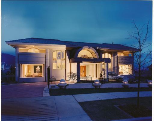 "Main Photo: 3133 PLATEAU Boulevard in Coquitlam: Westwood Plateau House for sale in ""WESTWOOD PLATEAU"" : MLS®# V786303"