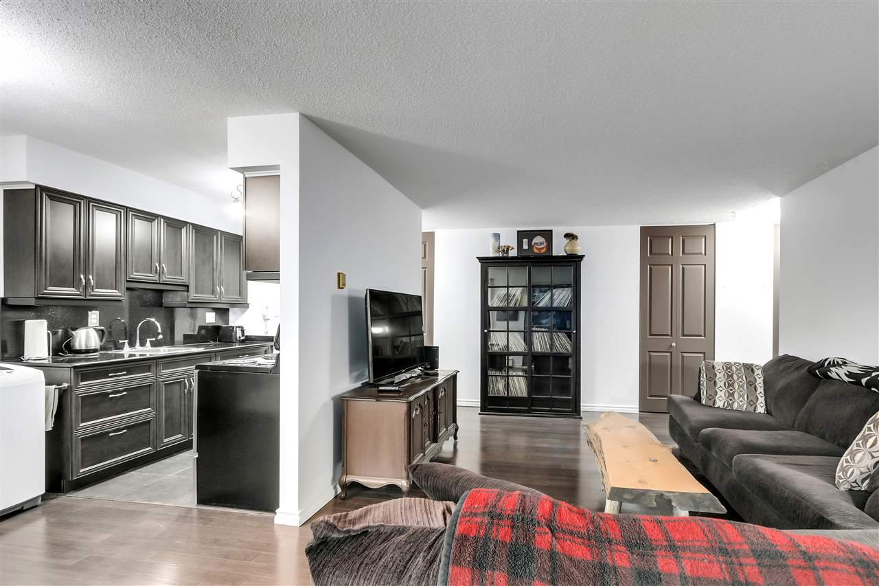 "Main Photo: 22 2433 KELLY Avenue in Port Coquitlam: Central Pt Coquitlam Condo for sale in ""Orchard Valley"" : MLS®# R2522699"