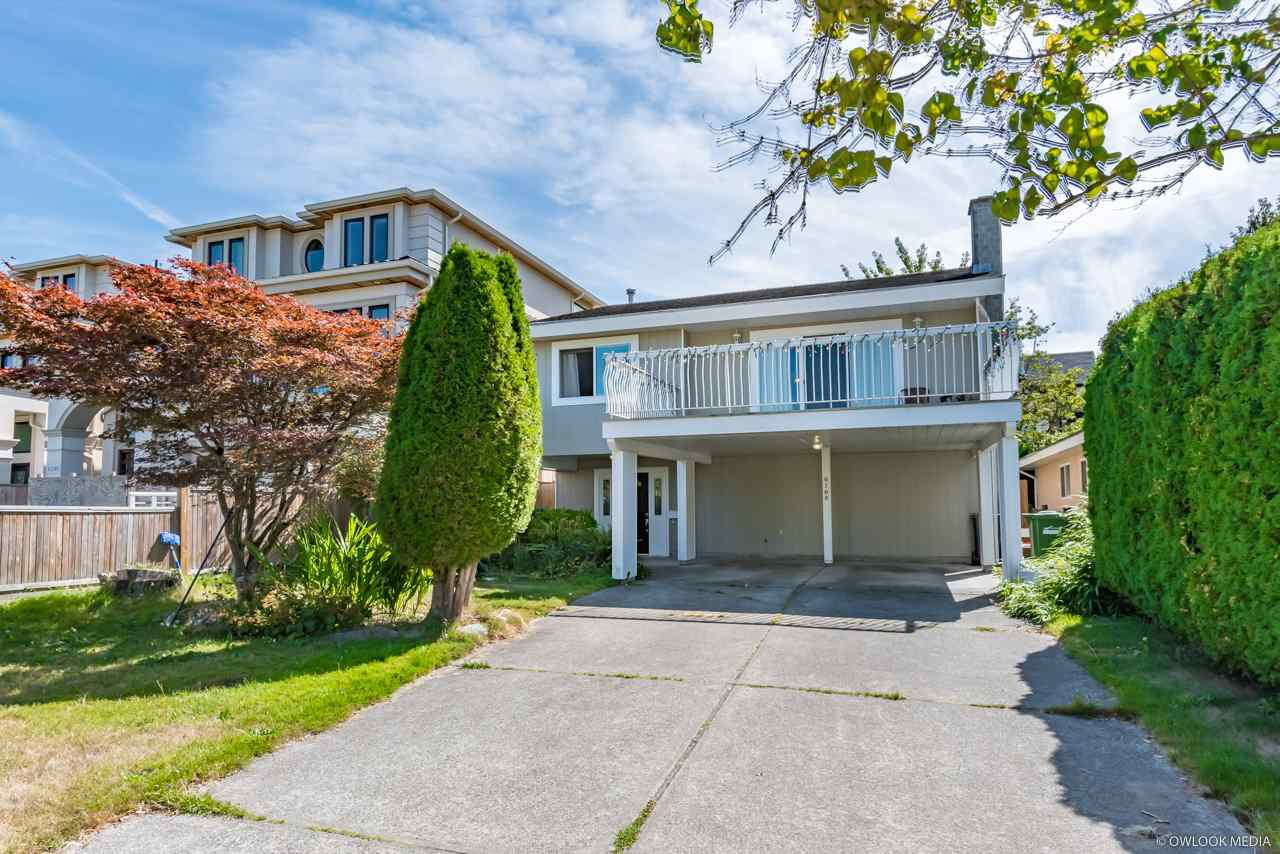 Main Photo: 6160 GOLDSMITH Drive in Richmond: Woodwards House for sale : MLS®# R2401343