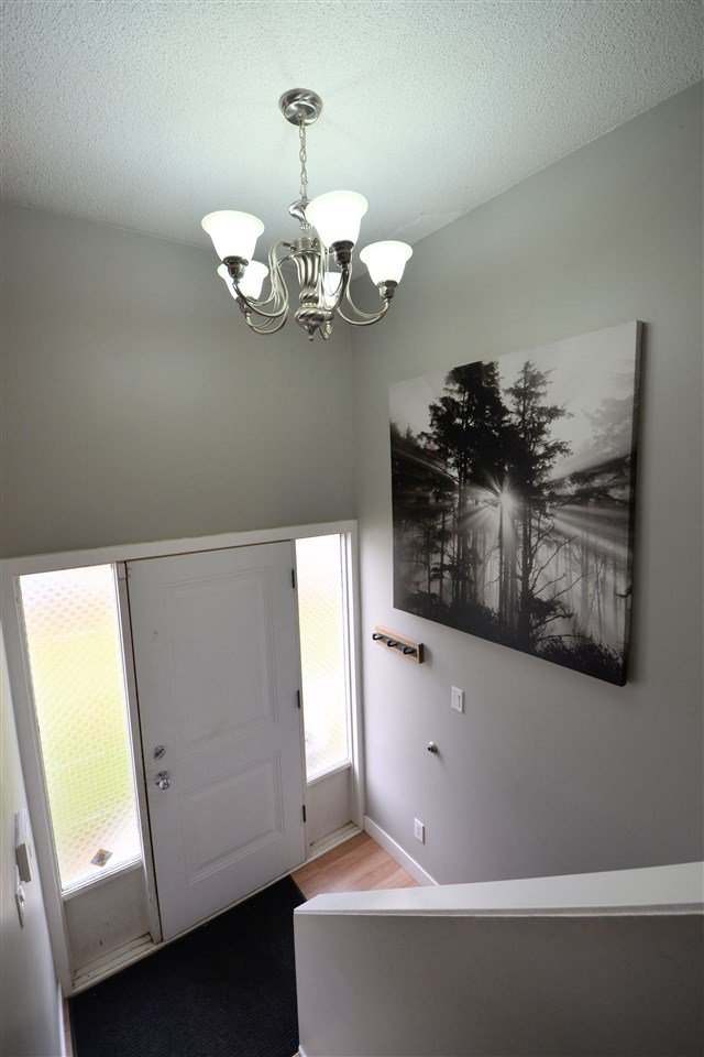 """Photo 12: Photos: 870 WARREN Avenue in Prince George: Spruceland House for sale in """"SPRUCELAND"""" (PG City West (Zone 71))  : MLS®# R2407232"""