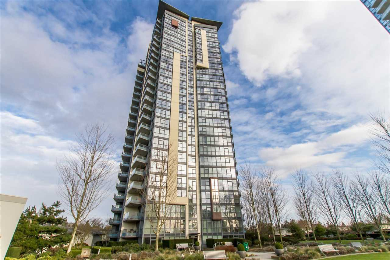 """Main Photo: 902 2225 HOLDOM Avenue in Burnaby: Central BN Condo for sale in """"Legacy Towers"""" (Burnaby North)  : MLS®# R2463125"""