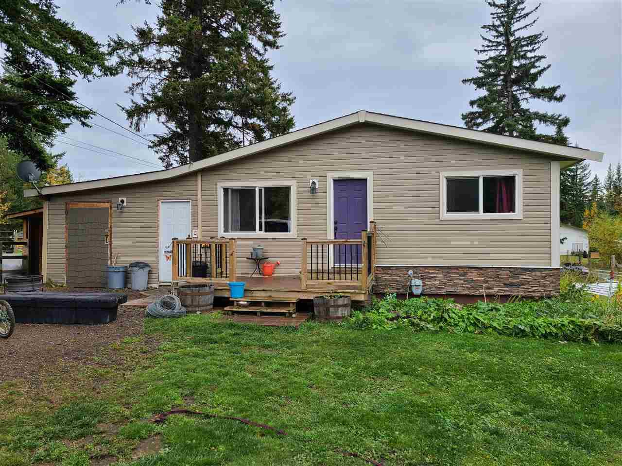 Main Photo: 5850 HORSE LAKE Road in 100 Mile House: Horse Lake House for sale (100 Mile House (Zone 10))  : MLS®# R2506008