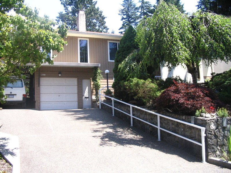 Main Photo: 2148 TOMPKINS Crescent in North_Vancouver: Blueridge NV House for sale (North Vancouver)  : MLS®# V774785