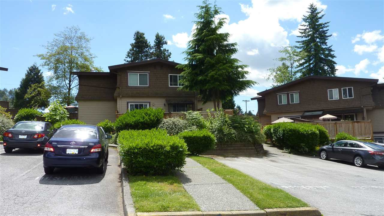 "Main Photo: 3 303 HIGHLAND Way in Port Moody: North Shore Pt Moody Townhouse for sale in ""HIGHLAND PARK"" : MLS®# R2412785"