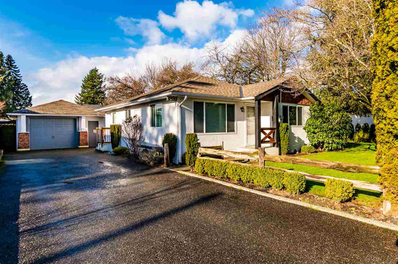 Main Photo: 9333 BROADWAY Street in Chilliwack: Chilliwack E Young-Yale House for sale : MLS®# R2431911