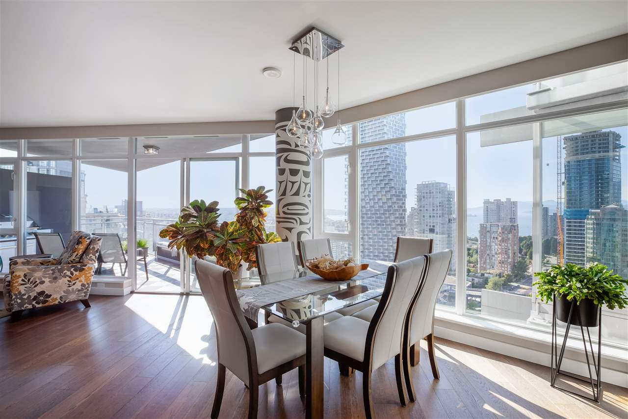 """Main Photo: 2701 1372 SEYMOUR Street in Vancouver: Yaletown Condo for sale in """"The Mark"""" (Vancouver West)  : MLS®# R2493210"""