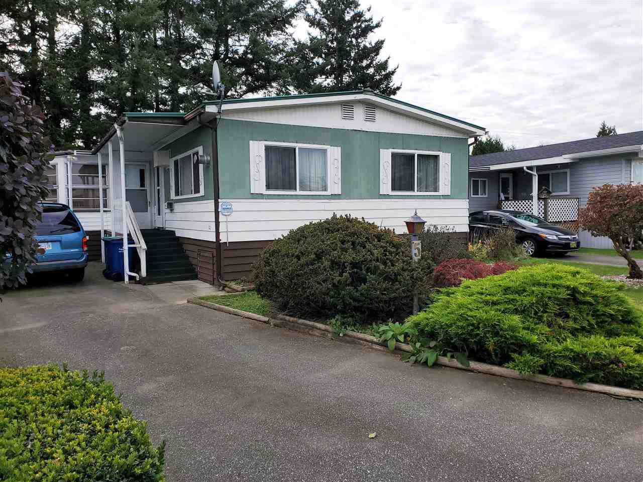 """Main Photo: 5 31313 LIVINGSTONE Avenue in Abbotsford: Abbotsford West Manufactured Home for sale in """"Paradise Park"""" : MLS®# R2511873"""