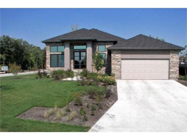 Main Photo: 2 Grand Oaks Cove in WINNIPEG: Westwood / Crestview Residential for sale (West Winnipeg)  : MLS®# 1001734