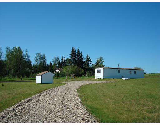 "Main Photo: 6667 113TH Road in Fort_St._John: Fort St. John - Rural W 100th Manufactured Home for sale in ""NORTH PINE"" (Fort St. John (Zone 60))  : MLS®# N183628"