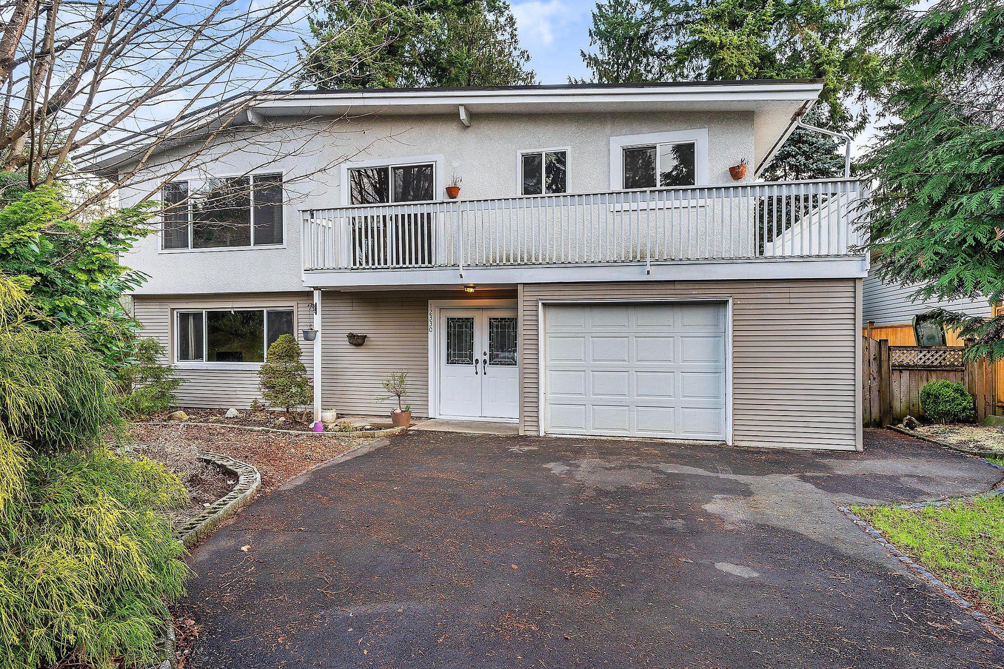 Main Photo: 12330 CARLTON Street in Maple Ridge: West Central House for sale : MLS®# R2428981