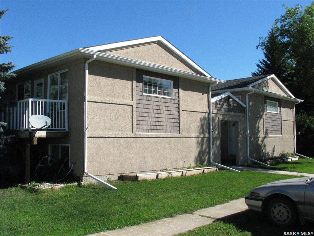 Main Photo: 303A & 303B Main Street in Langham: Multi-Family for sale : MLS®# SK831519