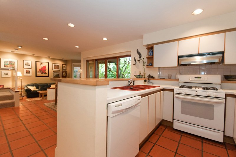 Photo 10: Photos: 2958 W 3RD Avenue in Vancouver: Kitsilano Townhouse for sale (Vancouver West)  : MLS®# V825641